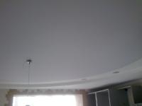 Беcшовные натяжные потолки (фото)